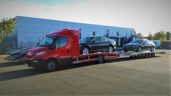 wywóz nowych samochodów lawetą