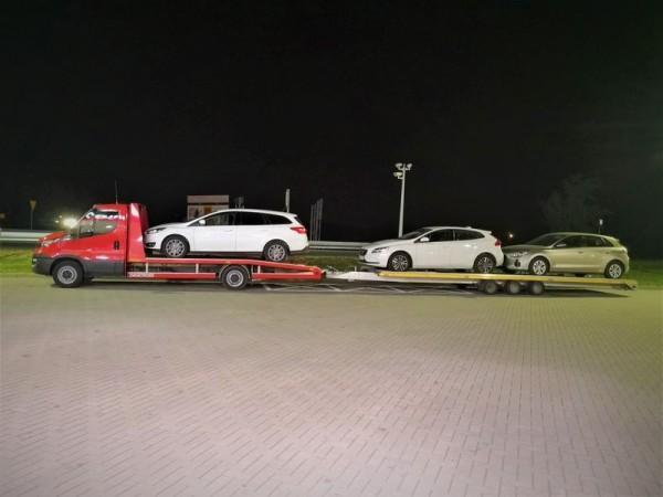 przewóz samochodów używanych lawetą